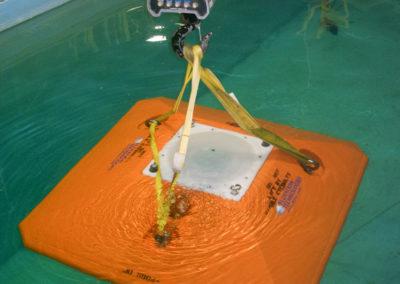 Freifall-Bodenrahmen der Deepwater Buoyancy, Inc. mit eingebautem Doppler-Strömungsmessgerät  ADCP  der Teledyne RD Instruments