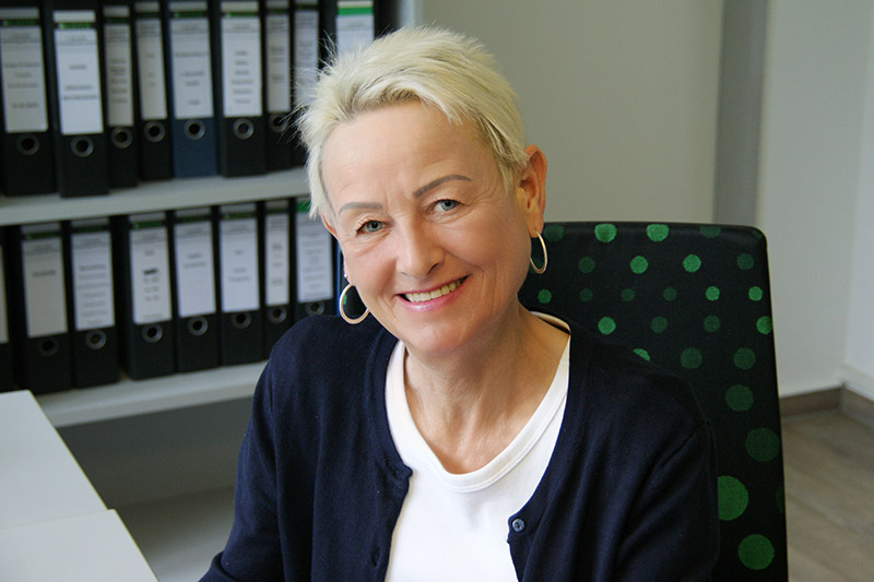 Ebba Viohl, Vertrieb und Controlling